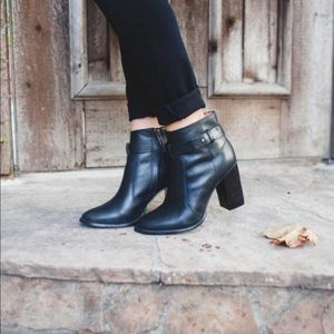 • Madewell • Sammie Leather Black Ankle Boots 7